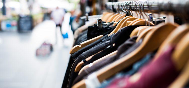 Wypożyczalnia sukien wieczorowych – czy warto